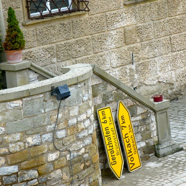 Schilder Baustelle am Schloss Zeilitzheim